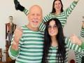 Звезды на карантине: Брюс Уиллис побрил налысо свою дочь