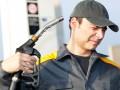 Стало известно, сколько АЗС зарабатывают на литре бензина