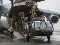 Черные ястребы прибыли в Латвию: видео доставки вертолетов