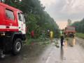 Непогода в Украине: Ветер сорвал кровлю с 9 школ и десятков жилых домов
