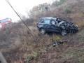 В Кировоградской области автомобиль слетел с моста и попал под поезд