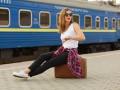 35% украинцев хотели бы уехать из страны - соцопрос