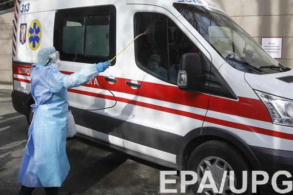 Медикам доплатят за работу с больными коронавирусом