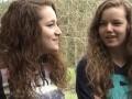 Девочки подняли полуторатонный трактор, чтобы спасти отца (ФОТО)