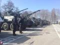 Под Киевом нацгвардейцы показали технику и прошли учения