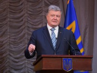Порошенко пообещал не нарушать прав украинцев без вторжения РФ