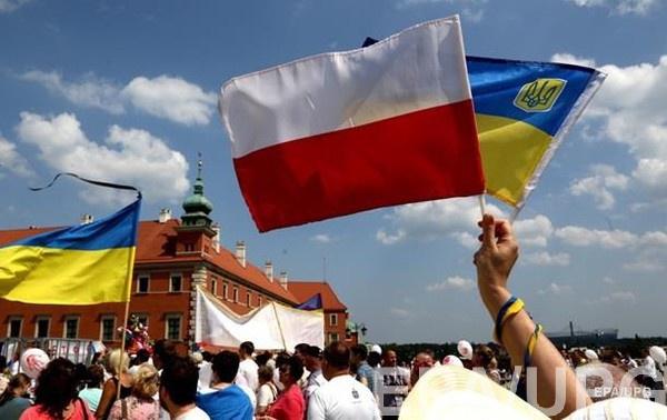 Иностранцы начали массово подавать иски против польских служб