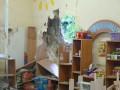 Центр Славянска под обстрелом: снаряд разнес детский сад (фото)