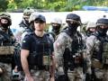 Полицейские патрули Харькова усилили бронегруппы с автоматами
