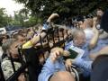 В Святошинской РГА обсуждают ситуацию вокруг рынка Шлях, работники которого штурмовали РОВД