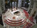 Нового Папу Римского изберут в период между 15 и 20 марта