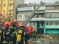 В Киеве на Подоле перекрыли улицу из-за пожара