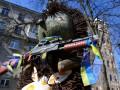 Скульптуру Ежика в Киеве вооружили автоматом