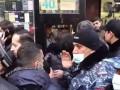 В Ереване протестующие перекрыли метро