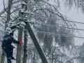 Без света в Украине остаются полтысячи сел