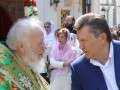 Янукович проведал митрополита Владимира в больнице