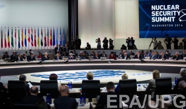 Порошенко: Ядерные страны должны гарантировать безопасность