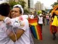 Почему многие геи против однополых браков? - Би-би-си