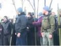 Под ВР произошли столкновения между активистами и полицией