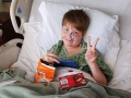 В США шампур насквозь проткнул мальчику голову: ребенок чудом выжил