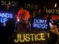 В США не прекращаются протесты против полицейского произвола