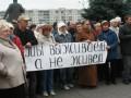 Опрос: Россиянам не хватает денег на одежду и еду