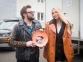 Звезды по обмену: Появились фото со съемок украинской комедии с Dzidzio и Поляковой