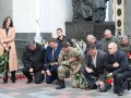 Нацгвардийцы, полицейские и депутаты почтили память погибших под Радой правоохранителей