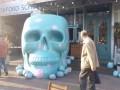 К Хэллоуину Киев украсили гигантские череп и паук