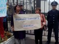 Сотни активистов пикетируют Генштаб ВСУ в Киеве (фото, видео)