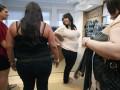 Ученые выяснили связь между финансовым стимулированием и похудением сотрудников