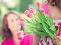 Как отмечают День матери в Украине и мире: традиции празднования