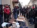 Харьковчане задержали автобус с вещами Добкина