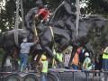 В Техасе снесли памятник генералу Роберту Ли