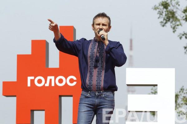 Вакарчук не хочет видеть в составе своей партии депутатов