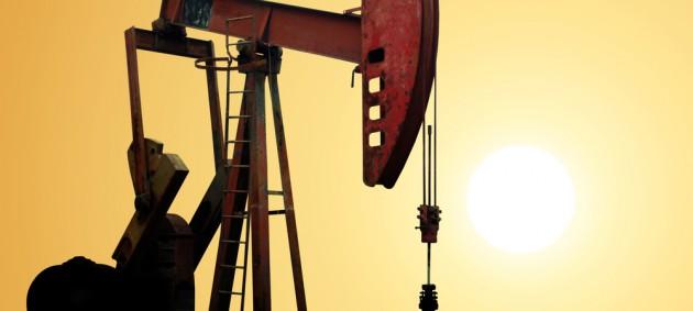 Цена на нефть опустилась ниже 73 долларов