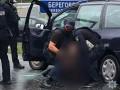 В Мукачево полиция со стрельбой задержала наркоторговцев