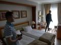 Нардеп показал фото номера отеля в Трускавце, где проводят