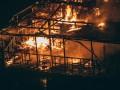 В Киеве подожгли баржу: задержаны пьяные подростки