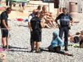 Французская полиция начала штрафовать мусульманок в буркини