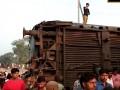 В Индии с рельсов сошел поезд, есть жертвы