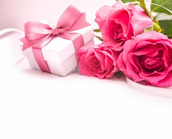 что подарить свахе в день знакомства