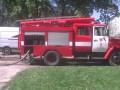 В Харькове горел дом: Жильца полчаса уговаривали слезть с парапета