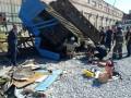 В Харькове водителя зажало в опрокинувшемся кране