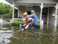 В Хьюстоне прорвало дамбу: жителей призвали срочно эвакуироваться
