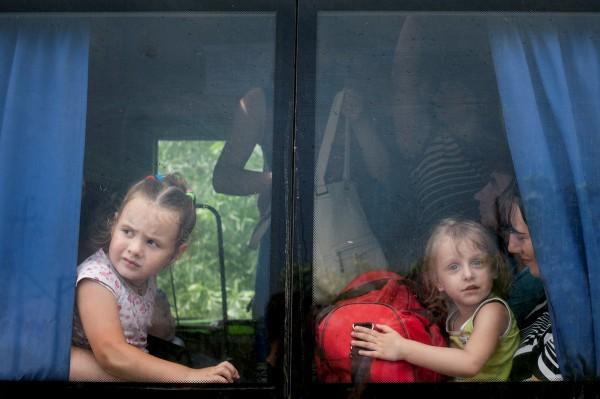 Автобус с детьми сегодня задержали вооруженные люди