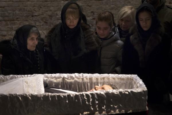 Бориса Немцова похоронили на Троекуровском кладбище Москвы - Новости дня