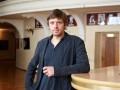 Худруку театра Маяковского разрешили вернуться в Россию