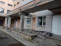 В Броварах с детской больницы обрушилась кирпичная кладка