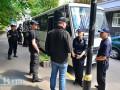 Полиция отогнала милиционеров, неправильно припарковавшихся под Генпрокуратурой